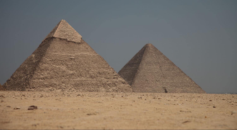 Pyramide of Khafra and Khufu